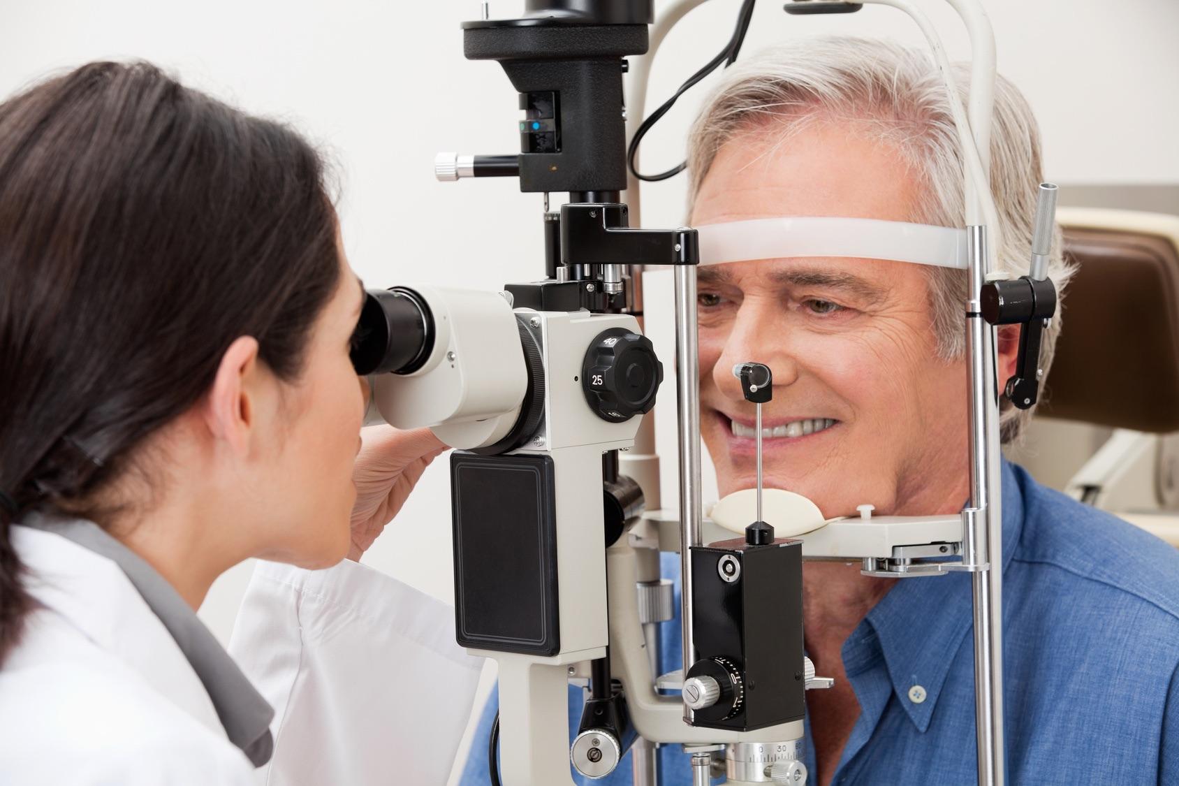 Arztbesuch: Kein Risiko eingehen bei Augenerkrankungen